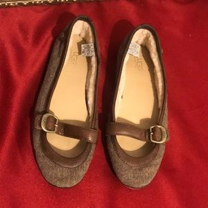 UGG Flat/loafers shoes